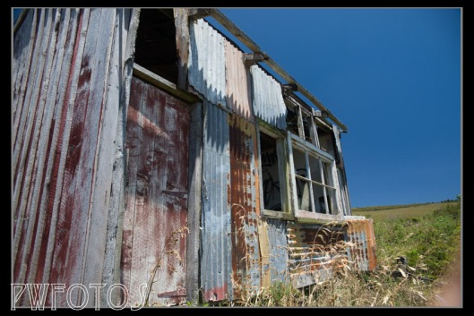 We had been led to believe that we would see lots of abandoned buildings and vehicles up north which I thought would be great as I like to shoot these. As it turned out we saw very little.