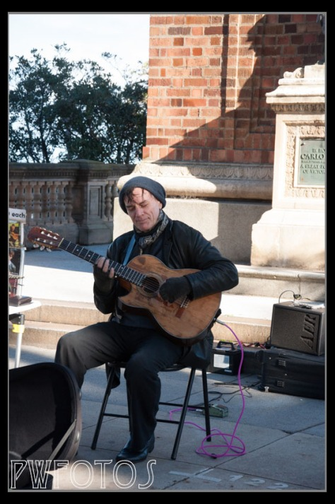 A street musician in St Kilda's